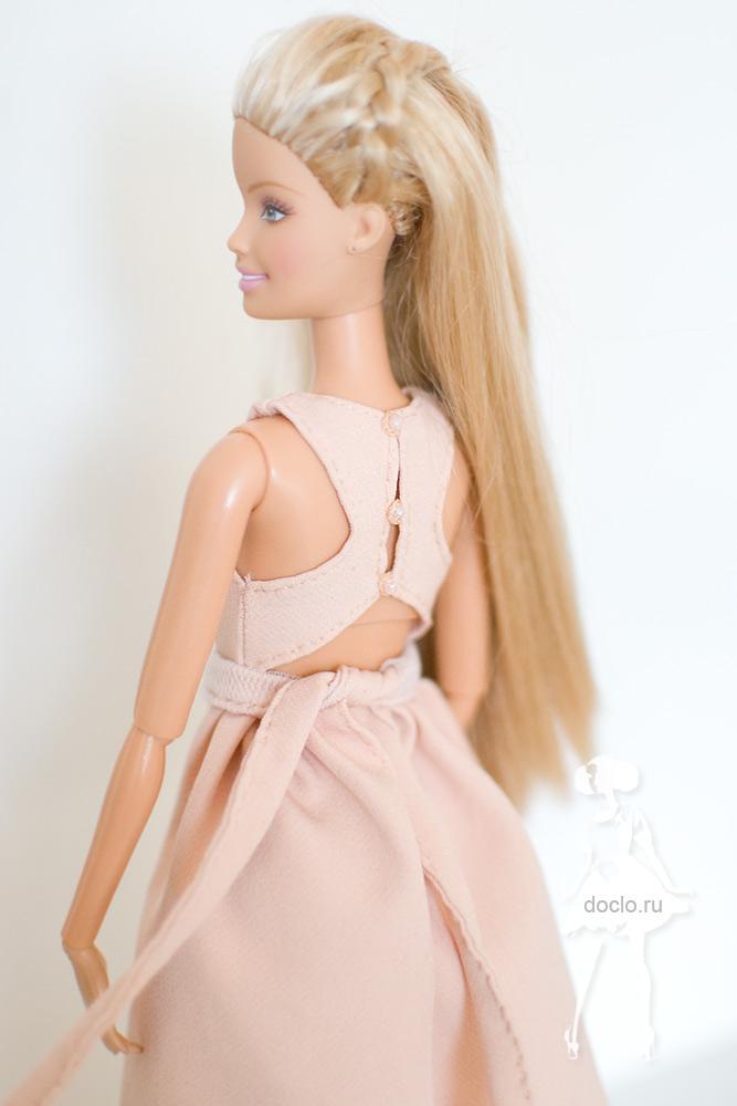 Фотография платья в пол для барби со спины